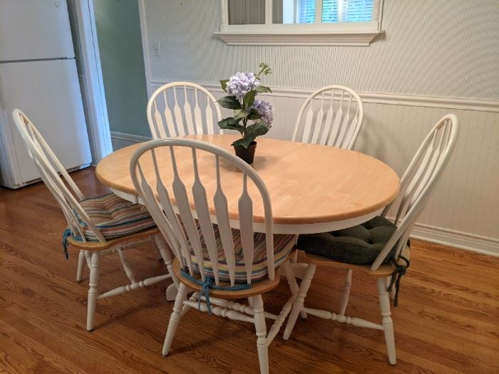 Wood dining set: 5 chairs