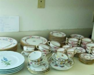 China Set incl Boullion Cups/Saucers