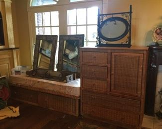 Wicker day bed and chest