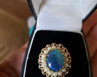 Opal Doublet ring with Pearls/Gold