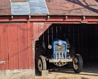 1957 Ford tractor live PTO with new head and new front tires, bush hog attached, Scraper blade included