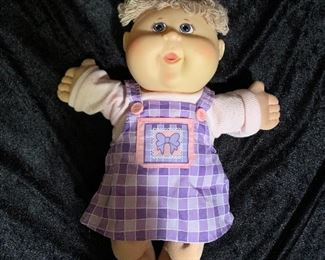 Cabbage Patch Doll,  Cabbage Patch Doll, 2004 Play Along, Short Blonde Hair, Blue Eyes