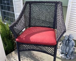 Set of two outdoor chairs w/cushions