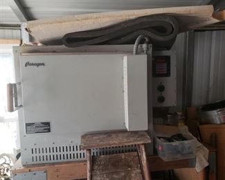 Paragon GL-24AD Digital Glass Fusing Kiln.  It is currently included in our Fixed Price Sale for only $1500. https://ctbids.com/#!/description/share/872261