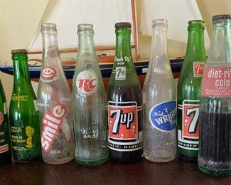 TM9116 Lot of Bottles - Wright, 7up, Squirt, Like, RC, Smile