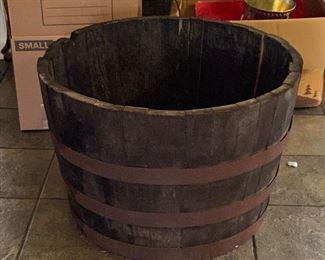 TM9333 Wood Half Keg Plant Pot