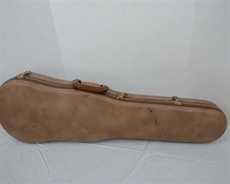 Hard shell violin case