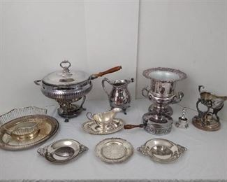 16 pieces of silver-plated dishes
