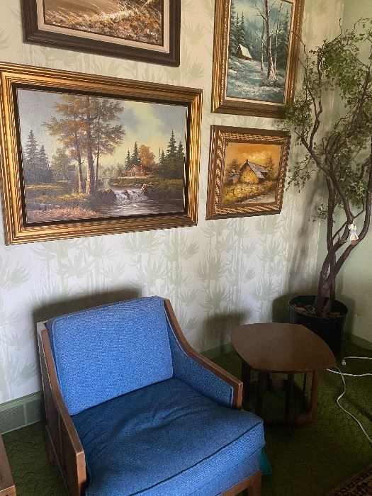 Great chair & oils