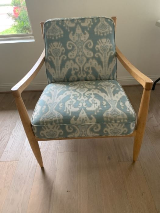 Beech Wood Frame Eye Cat Fabric Arm Chair