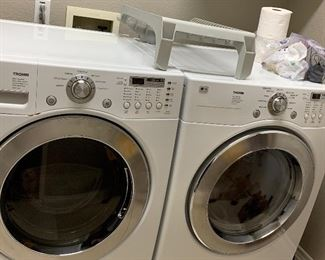 LG Tromm Washer / Dryer - GAS - Like New