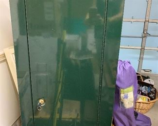 Gun Safe STACK-ON Security Cabinet - Like New with Lock