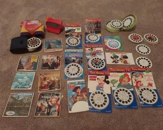 Vintage view master with Disneyland and many other discs