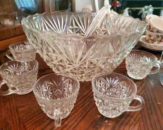 Punch Bowl w/ ladle and 8 cups (1950's Arlington)