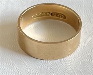Vintage 14K Gold Signed Peacock Gold Band Size 8 & Weighs 3.8 Grams