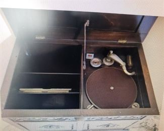 hand crank record player