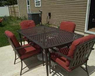Patio Set metal table and6 chairs with cushions
