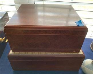 9 Wood Humidor