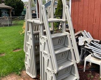 2 Pool Ladder