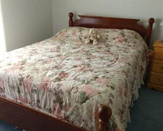 Solid wood bed Great condition
