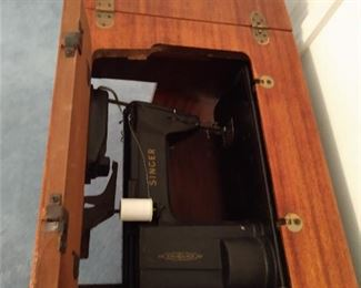 Works great Singer sewing machine