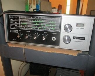 AM  SW  HEATHKIT BEAUTIFUL CONDITION WORKING