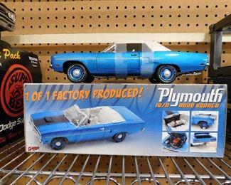 GMP 1970 Road Runner Die Cast Car