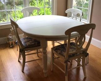 Beautiful Pottery Barn Table and Chairs with (2) extensions.  (1) as in photo.