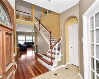 Auction Missouri City living room
