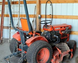 Kubota Compact Utility Tractor, Model B7100HST, 5' Deck, Diesel, D750 Motor, 4-Weel Drive And PTO, Hours Showing 1048.8
