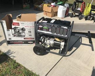 Briggs Stratton 6250 Watts Generatoer Like New