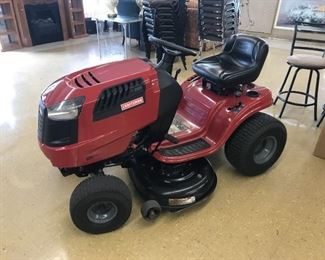 Craftsman LT 2000 Riding Lawn Mower Like New