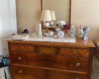 Crotch mahogany/elm decorative ladies dresser and mirror