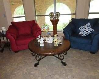 Living Room Setting - Few Pieces of Stain Glass - Collection of Birds