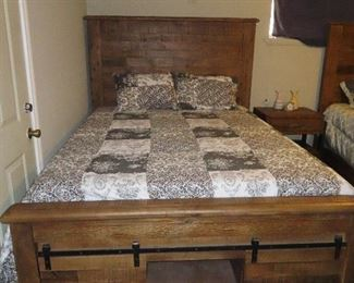 Farmhouse Style Queen Size Bed