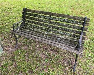 Yard Decor: Garden Bench