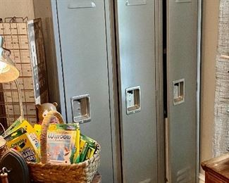 School Locker Set