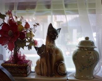 Siamese Cat TV Lamp