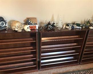 Short bookcases or cd racks