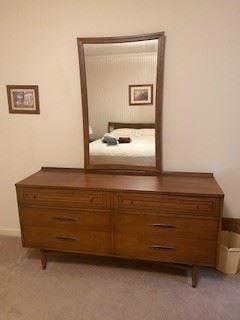 Broyhill Sculptra - mid century modern dresser with mirror