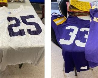 TM9403 0  https://www.ebay.com/itm/114793426012	TM9403 Lot of LSU: 4 Jerseys 		Auction