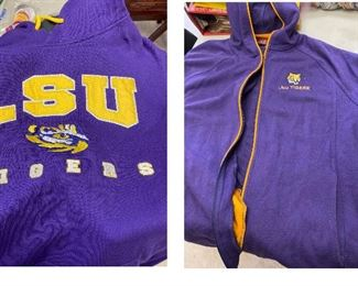 TM9405 1  https://www.ebay.com/itm/124709582643	TM9405 2 LSU Sweatshirts: Colosseum L & red Oak Ladies L		Auction