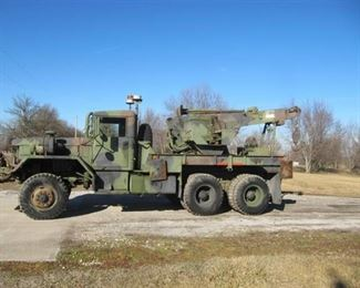 AM General M816 Military 6x6 Wrecker