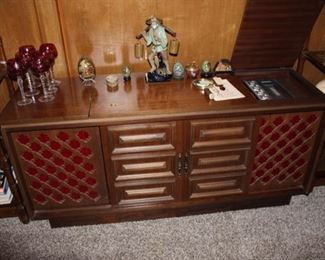 Great entertainment center for your LP's and 45's, works great. Cabinet in great condition.