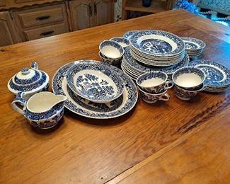"Vintage ""Swinnertons"" Blue Willow Dinnerware"