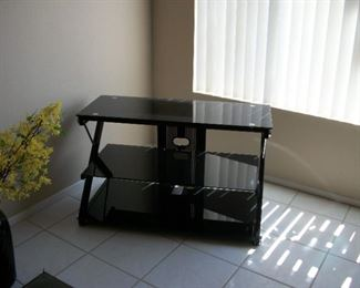 """TV stand, 40"""" TV"""