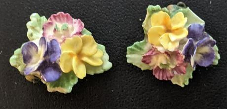 Lot 067 Vintage England Porcelain Flower Clip Earrings