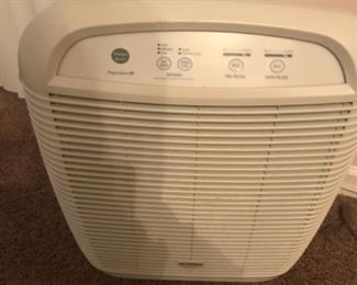 Room air cleaner