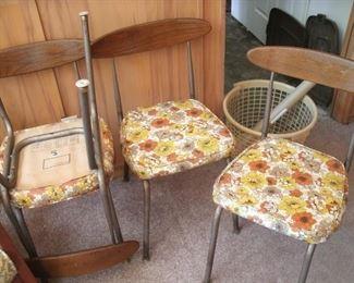 4 MCM kitchen chairs w/wood backs