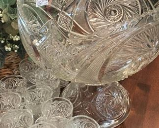 Gorgeous punch bowl & cups